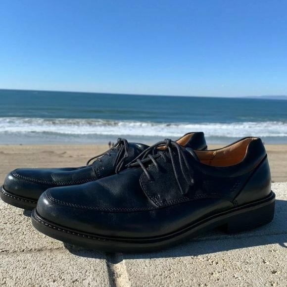 "LIKE NEW Ecco Black Dress Shoes ""Holton Apron Toe"""